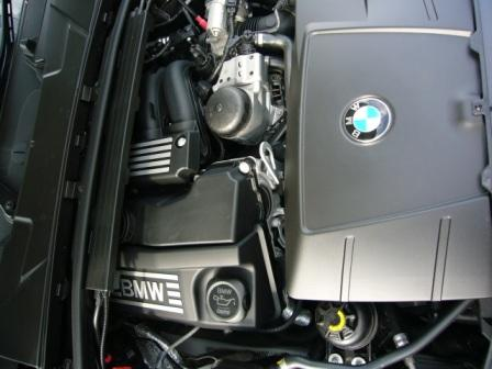 320iエンジン.JPG